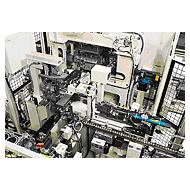 画像:プラグ圧入&リークテスト装置